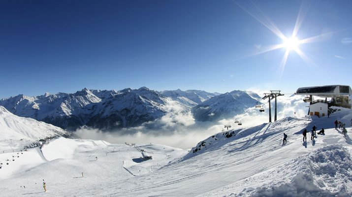 اولین دوره جام جهانی اسکی آلپاین به میزبانی کشوز اتریش در پیست اسکی سولدن برگزار خواهد شد.